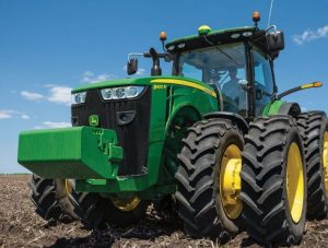 8400R Row Crop Tractor