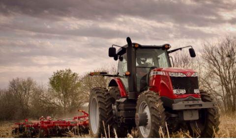 Massey Ferguson 8670 Series Row Crop Tractor