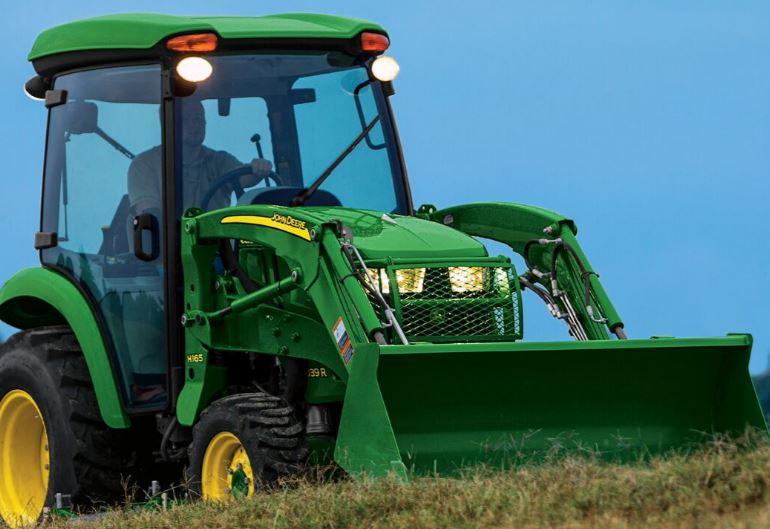 John Deere 3033R Utility Tractor
