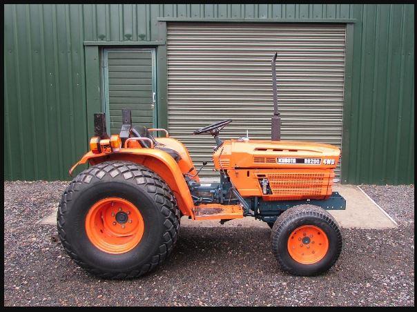 KUBOTA B8200 Tractor Attachments